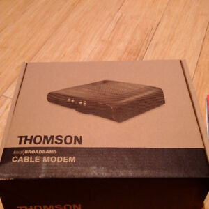 Teksavvy cable modem Thomson DCM476 - less than 2 years old