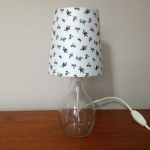 Petite Lampe De Table *** Small Table Lamp
