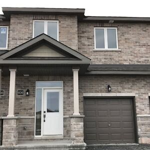 BRAND NEW Barrhaven  Townhome, 3 beds +2.5 bath, $1780/month