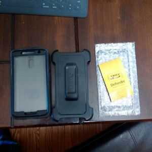Motorola x play otter box defender case and holster