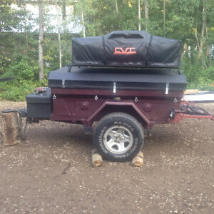 M101 Trailer w/ Roof Top Tent