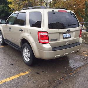 Certified low km 2011 Ford Escape in excellent shape! Kitchener / Waterloo Kitchener Area image 4
