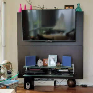 TV Media Entertainment Floating Wall Shelf