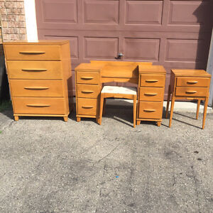 Vintage 6 piece bedroom set