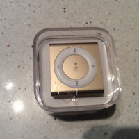 Apple iPod shuffle 4th Generation 2GB - Gold