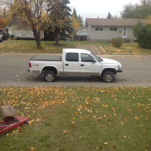 2001 Dodge Dakota 4 door Pickup Truck