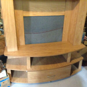 Entertainment unit for sale Cornwall Ontario image 2