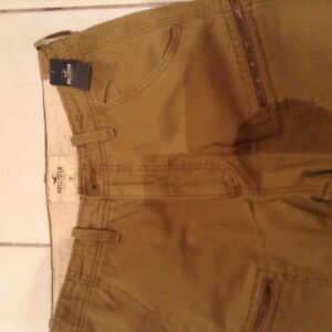 Hollister Mens jogger Jean type pants. Size 33.  Brand New London Ontario image 2