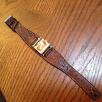 Roots leather watch