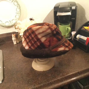 PRICE REDUCED! Vintage men's Alpine-style hats (A052)