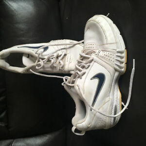 Mens Size 9 Leather Nike Air Sneakers