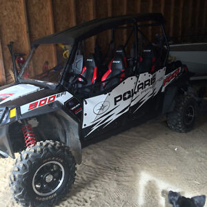 Side by Side Polaris RZR, 4 places, Condition impeccable