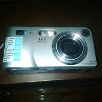 HP Photosmart M307 3.2 MP Digital Camera with 3x Optical Zoom