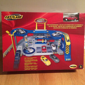 FastLane Car Showroom Play Set