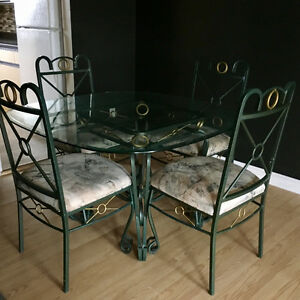 Glass kitchen table & 4 chairs