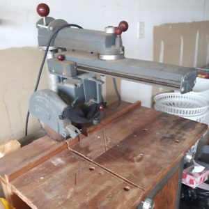 Rockwell Circular table saw with stand - Beaver power tools