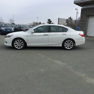 2013 Honda Accord Touring w/Navi & Warranty till 2019