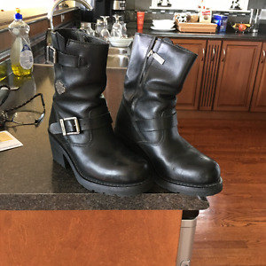 Ladies Leather Harley Davidson Boots mint condition