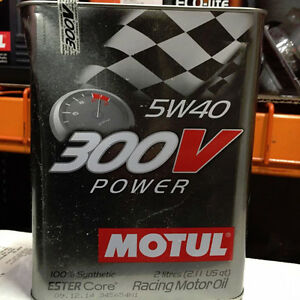 Motul 300V Synthetic Motor Oil - 5W40