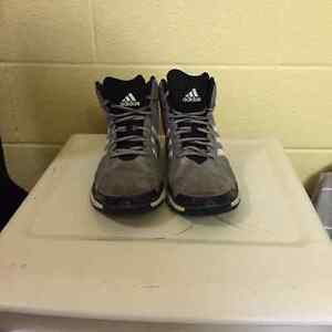 Adidas Basketball shoes Kitchener / Waterloo Kitchener Area image 3