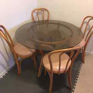 Dinning table for cheap!60$!