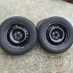 BLIZZAK 215/60R16 WINTER TIRES/RIMS