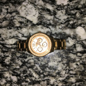 Ladies rose gold fossil watch
