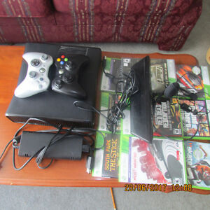 XBOX 360 + 2 controllers + Kinect + Microphone + 11 Games