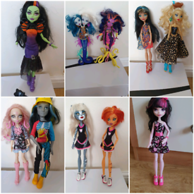 Monster high dolls £5 each draculaura frankie lagoona