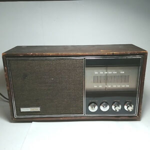 Working and Rare Vintage LLOYD'S Radio Solid State AM FM AFC