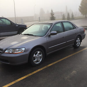 Awesome 2000 Honda Accord Ex **fully loaded* very low km**