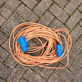 25 metre mains cable