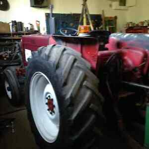 Farm Tractor International 584
