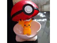 Pokemon-Pokeball-Pop-up-7cm BALL & X2 Random-Action-Figure