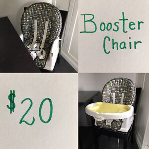 Feeding chair with removable tray