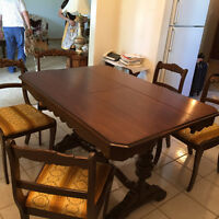 Antique dining room set - impecable condition