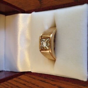 Man's Gold/Diamond Ring Regina Regina Area image 1