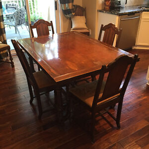 URGENT. MUST SELL. Antique Drop-leaf Dining Table with 6 Chairs