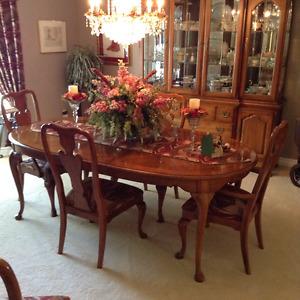 Formal Thomasville Dining Room Set