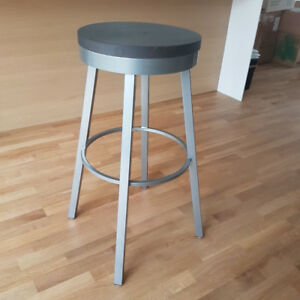 Swivel Barstools - Solid wood and Sturdy Steel