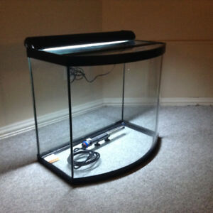 Aquarium Bow Front with light + heater - 26 Gallons