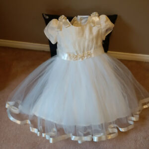 Flower Girl Silk and Tulle Dress, 3-4 yrs; Beautiful hand made