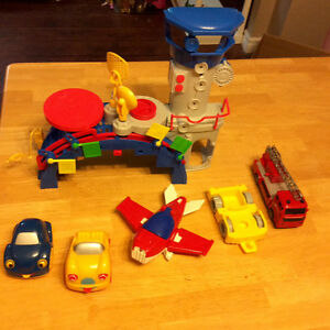 Playskool airport rescue station with airplane, 4 cars