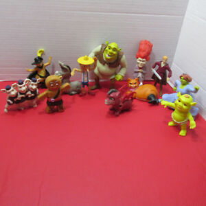 SHREK LE FILM LOT DE 12 JOUETS FIGURINES MCDONALDS