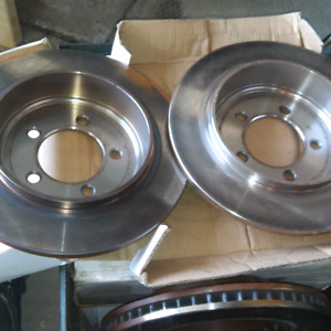 Pair of rear rotors for a 2003-?? Ford Explorer