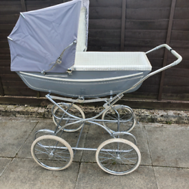 Vintage Silver Cross style pram made by Mothercare