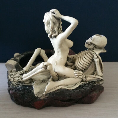 Halloween Personality Skeleton with Sex Girl Game Funny Ashtray Cosplay Toy Gift