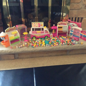 Huge Shopkin Collection over 150 with Bus,Carry Case, Icecream