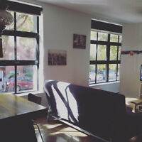 Super Condo style Loft 1 chambre neuf 3 ans en béton