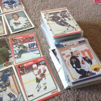 Collection of a few hundred hockey cards 45.00 obo